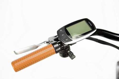 moma bikes bici elettrica con computer di bordo