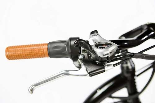 recensione moma bikes con cambio shimano a 7 rapporti