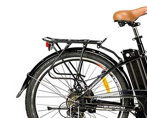 recensione bici elettrica moma bikes con portapacchi posteriore