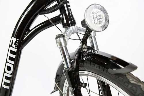 recensione moma bikes con luci a led
